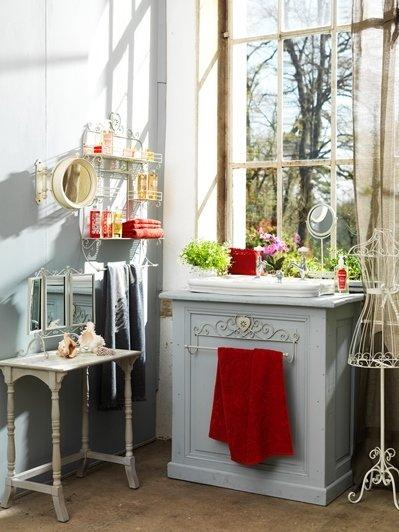 Фотография: Ванная в стиле Прованс и Кантри, Интерьер комнат, Текстиль – фото на InMyRoom.ru
