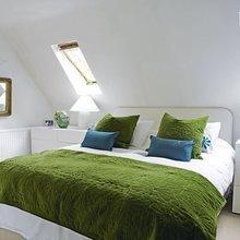 Фотография: Спальня в стиле Минимализм, Интерьер комнат, Мебель и свет, Цвет в интерьере, Белый, Гардероб – фото на InMyRoom.ru