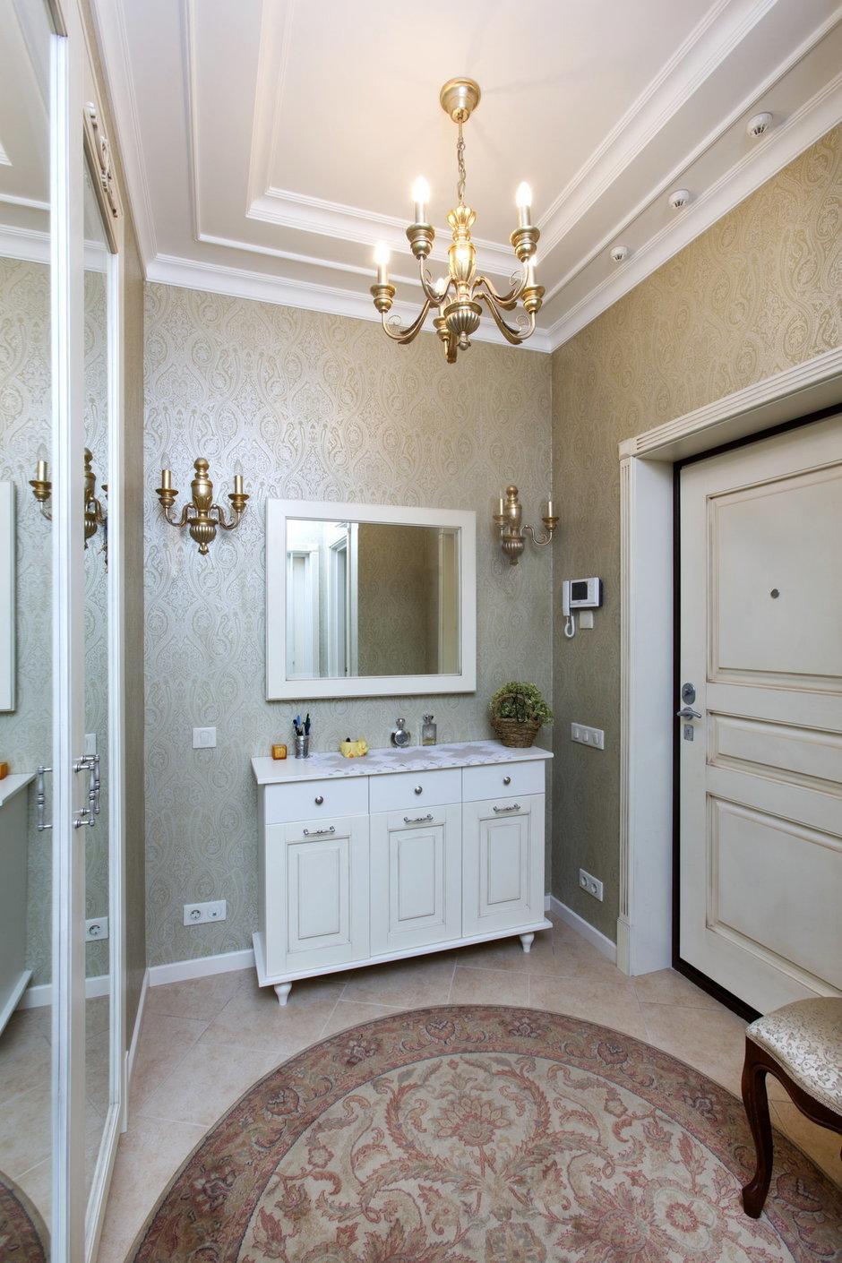 Фотография: Прихожая в стиле Классический, Квартира, Дома и квартиры, Проект недели – фото на InMyRoom.ru