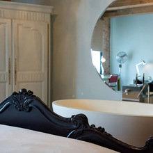 Фотография: Спальня в стиле Лофт, Эклектика, Дома и квартиры, Городские места, Отель, Бассейн, Индустриальный – фото на InMyRoom.ru