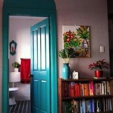 Фотография: Декор в стиле Кантри, Современный, Декор интерьера, DIY, Дизайн интерьера, Цвет в интерьере, Двери – фото на InMyRoom.ru