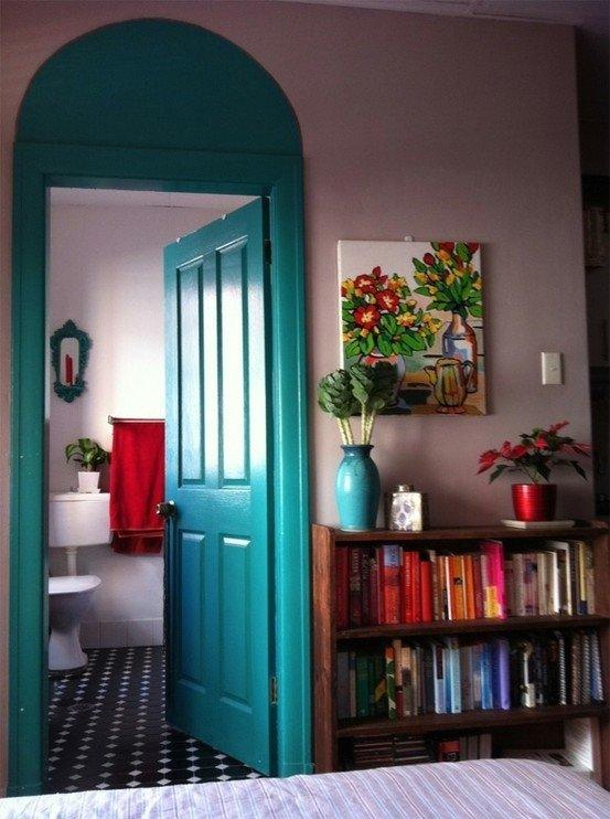 Фотография: Декор в стиле Прованс и Кантри, Современный, Декор интерьера, DIY, Дизайн интерьера, Цвет в интерьере, Двери – фото на InMyRoom.ru