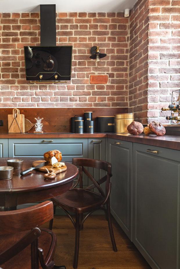 Фотография: Кухня и столовая в стиле Прованс и Кантри, Советы, Кухонный фартук, Гид, керамическая плитка на кухне, как оформить кухонный фартук, фартук на кухне, оригинальный фартук, красивый кухонный фартук – фото на INMYROOM