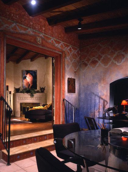 Фотография: Гостиная в стиле Восточный, Эклектика, Декор интерьера, Декор дома, Цвет в интерьере, Обои – фото на InMyRoom.ru