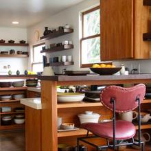 Фотография: Кухня и столовая в стиле Современный, Эко, Декор интерьера, Мебель и свет – фото на InMyRoom.ru