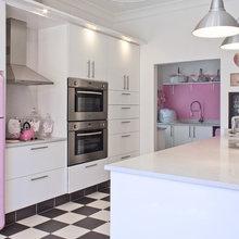Фотография: Кухня и столовая в стиле Современный, Декор интерьера, Дом, Дизайн интерьера, Цвет в интерьере, Белый – фото на InMyRoom.ru