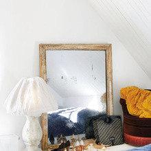 Фотография: Спальня в стиле Скандинавский, Прихожая, Декор интерьера, Дом, Цвет в интерьере, Дома и квартиры, Белый, Стены, Лестница – фото на InMyRoom.ru