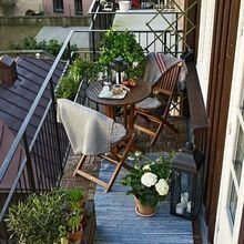 Фотография: Балкон в стиле Кантри, Советы, Зеленый, Оксана Шабалина, овощи на балконе, сад пряных трав на балконе, вертикальное озеленение, что выращивать в тени, огород на балконе, мини-огород на балконе – фото на InMyRoom.ru