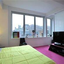 Фотография: Спальня в стиле Минимализм, Лофт, Квартира, Мебель и свет, Дома и квартиры, Карим Рашид – фото на InMyRoom.ru