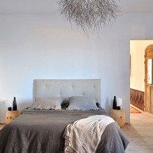 Фотография: Спальня в стиле Минимализм, Декор интерьера, Мебель и свет, Декор дома, Светильники, Зеркала – фото на InMyRoom.ru