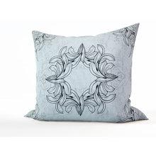 Диванная подушка: Черно-белый декор