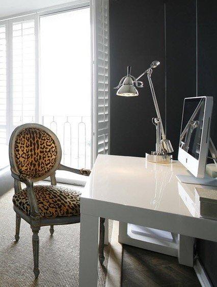 Фотография: Кабинет в стиле Эклектика, Декор интерьера, Интерьер комнат, Стулья, Лампы, DG Home – фото на INMYROOM