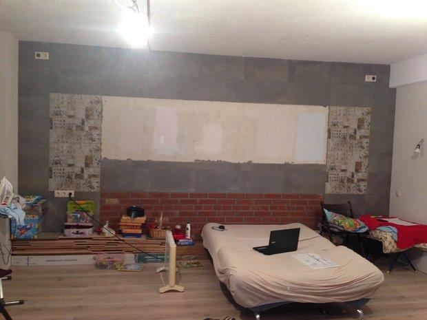 Какие есть приемы по декорированию керамогранита, расположенного на стене в студии