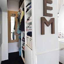 Фотография: Гардеробная в стиле Скандинавский, Малогабаритная квартира, Квартира, Швеция, Цвет в интерьере, Дома и квартиры, Белый – фото на InMyRoom.ru