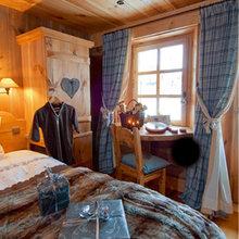 Фотография: Спальня в стиле Кантри, Дом, Дома и квартиры, Камин – фото на InMyRoom.ru