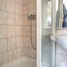 Фотография: Ванная в стиле Современный, Карта покупок, Индустрия, Лондон, Нью-Йорк, Париж, Airbnb – фото на InMyRoom.ru
