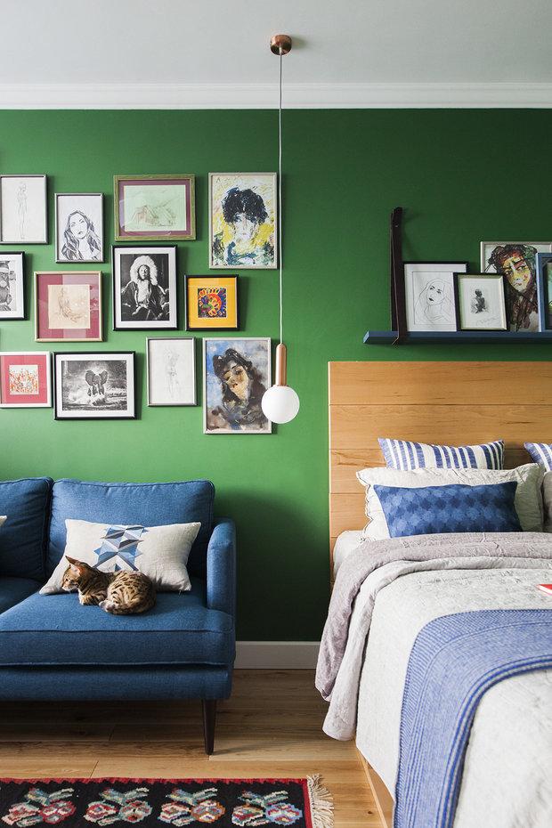Фотография: Спальня в стиле Эклектика, Цвет в интерьере, Краски, Интервью, цветовая гамма интерьера, Как выбрать цвет краски для стен, Little Greenе, Дэвид Моттерсхед – фото на INMYROOM