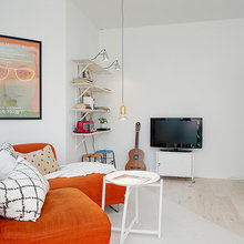 Фотография: Гостиная в стиле Скандинавский, Современный, Малогабаритная квартира, Квартира, Швеция, Мебель и свет, Дома и квартиры, Белый – фото на InMyRoom.ru