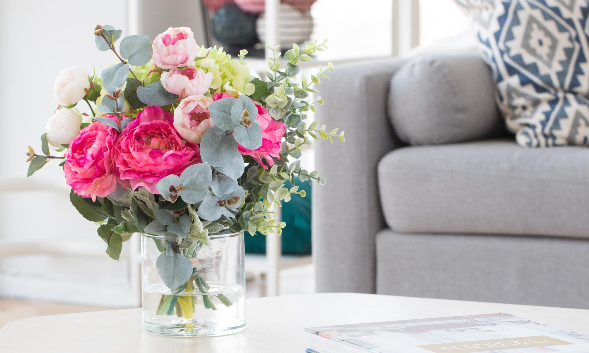 Купить Композиция из искусственных цветов - сочная гортензия, ранункулюсы, эвкалипт, inmyroom, Россия