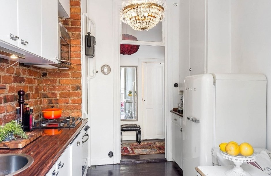 Фотография: Кухня и столовая в стиле , Скандинавский, Малогабаритная квартира, Квартира, Швеция, Дома и квартиры, Стена – фото на InMyRoom.ru