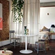 Фотография: Гостиная в стиле Лофт, Декор интерьера, Текстиль, Советы, Шторы, Балдахин – фото на InMyRoom.ru
