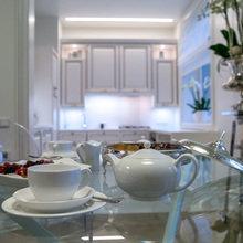 Фотография: Кухня и столовая в стиле Современный, Эклектика, Гостиная, Декор интерьера, Интерьер комнат, Тема месяца – фото на InMyRoom.ru