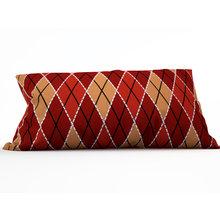 Декоративная подушка: Алые ромбы