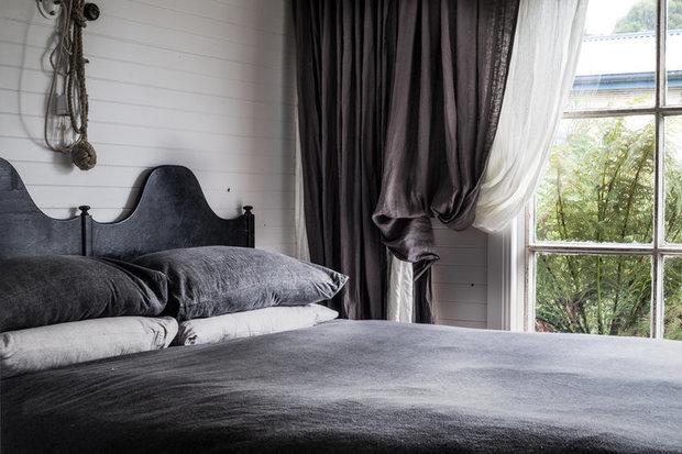 Фотография: Спальня в стиле Скандинавский, Дом, Россия, США, Австралия, Франция, Отель, Шале, Калифорния, Санкт-Петербург, Польша, Тасмания – фото на INMYROOM