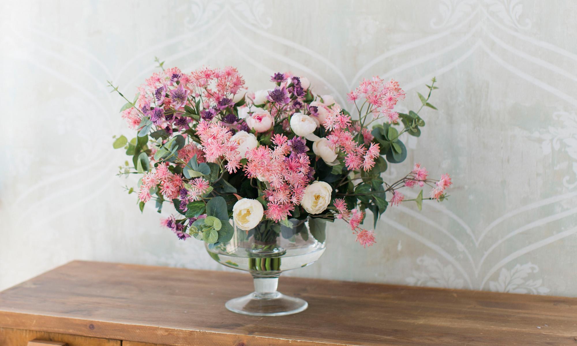Купить Композиция из искусственных цветов - нежные розы, мединилла, астранция, эвкалипт, inmyroom, Россия