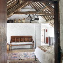 Фотография: Спальня в стиле Кантри, Дом, Цвет в интерьере, Дома и квартиры, Стены, Балки – фото на InMyRoom.ru