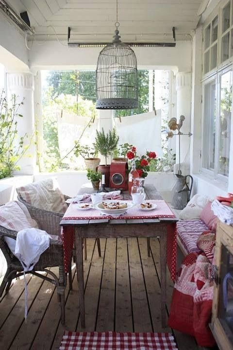 Фотография: Балкон, Терраса в стиле Прованс и Кантри, Декор интерьера, Декор дома – фото на InMyRoom.ru