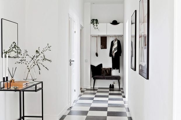 Фотография: Прихожая в стиле Современный, Скандинавский, Декор интерьера, Квартира, Швеция, Мебель и свет, скандинавский интерьер, освещение в квартире, как выбрать освещение для комнаты, 3 комнаты, Более 90 метров – фото на INMYROOM