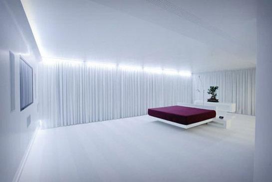 Фотография: Спальня в стиле Хай-тек, Декор интерьера, Декор, Декор дома, Советы – фото на InMyRoom.ru