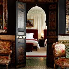 Фотография: Спальня в стиле Восточный, Дома и квартиры, Городские места, Бассейн – фото на InMyRoom.ru