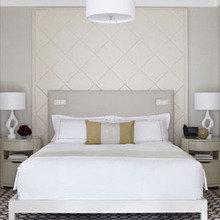 Фотография: Спальня в стиле Классический, Мебель и свет, Дома и квартиры, Городские места, Отель, Бассейн, Подсветка – фото на InMyRoom.ru