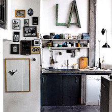 Фотография: Кухня и столовая в стиле Скандинавский, Дизайн интерьера, Цвет в интерьере, Пол, Индустриальный – фото на InMyRoom.ru