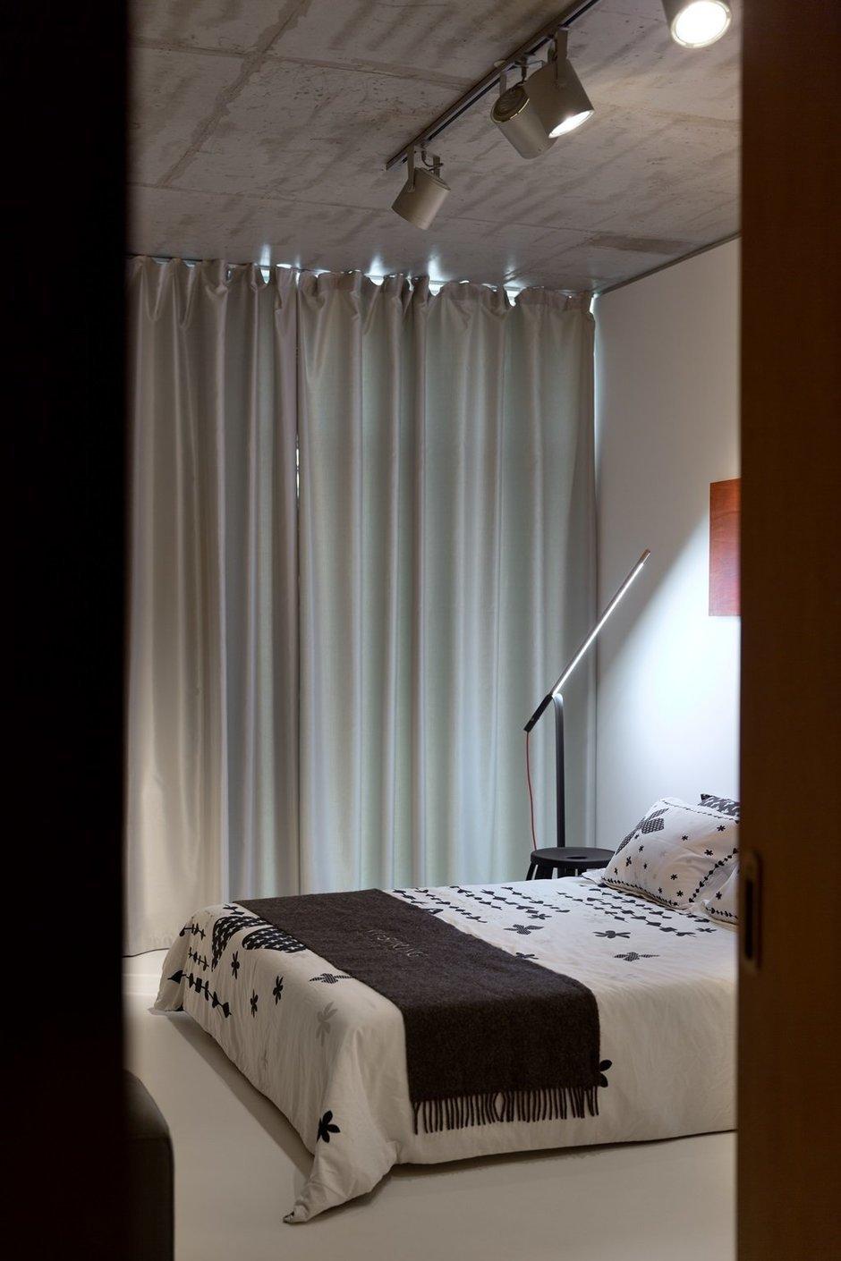 Фотография: Спальня в стиле Лофт, Современный, Малогабаритная квартира, Квартира, Украина, Дома и квартиры – фото на InMyRoom.ru