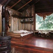 Фотография: Спальня в стиле Кантри, Декор интерьера, Дом, Декор дома, Камин – фото на InMyRoom.ru