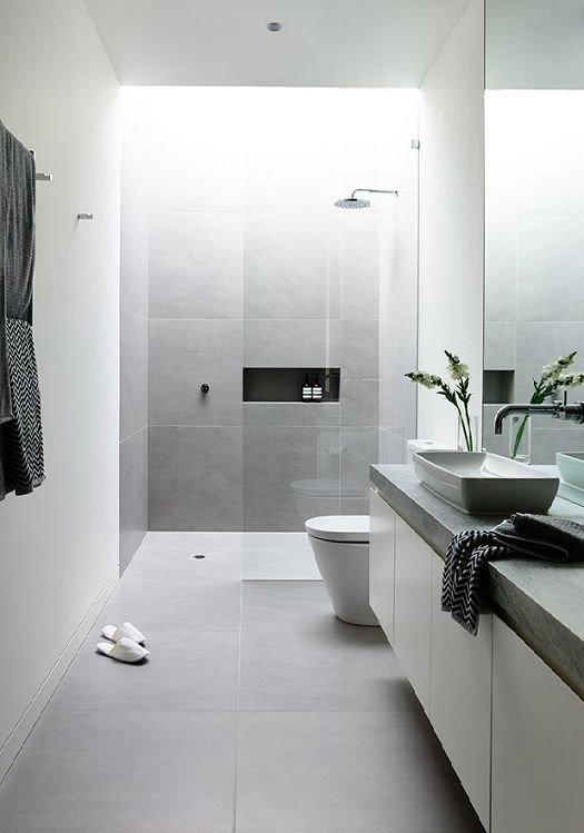 Фотография: Ванная в стиле Минимализм, Мебель и свет, Советы, Ремонт на практике – фото на InMyRoom.ru