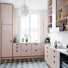Фотография: Кухня и столовая в стиле Скандинавский, Декор интерьера, Декор, Розовый – фото на InMyRoom.ru