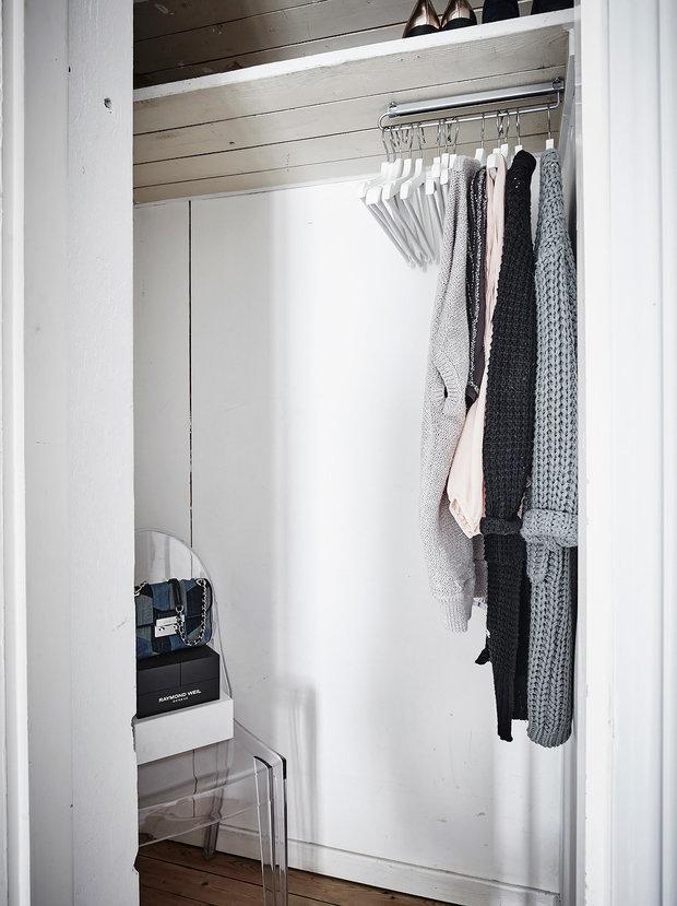 Фотография: Гардеробная в стиле Скандинавский, Малогабаритная квартира, Квартира, Швеция, Гид, дизайн-гид, малогабаритка, до 40 метров – фото на INMYROOM