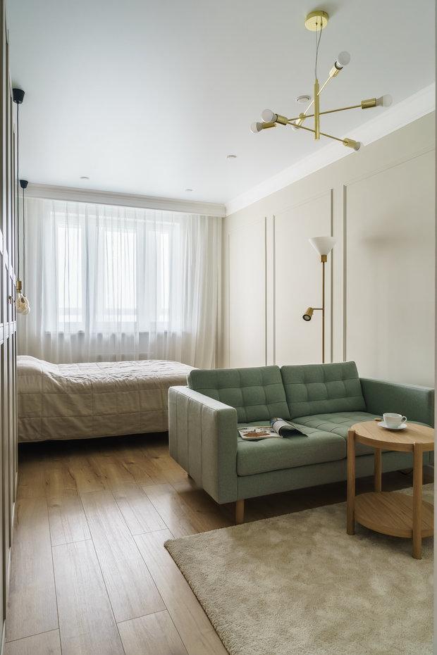 Квартира выполнена в нейтральных тонах, использовано много натуральных материалов, много света и воздуха.