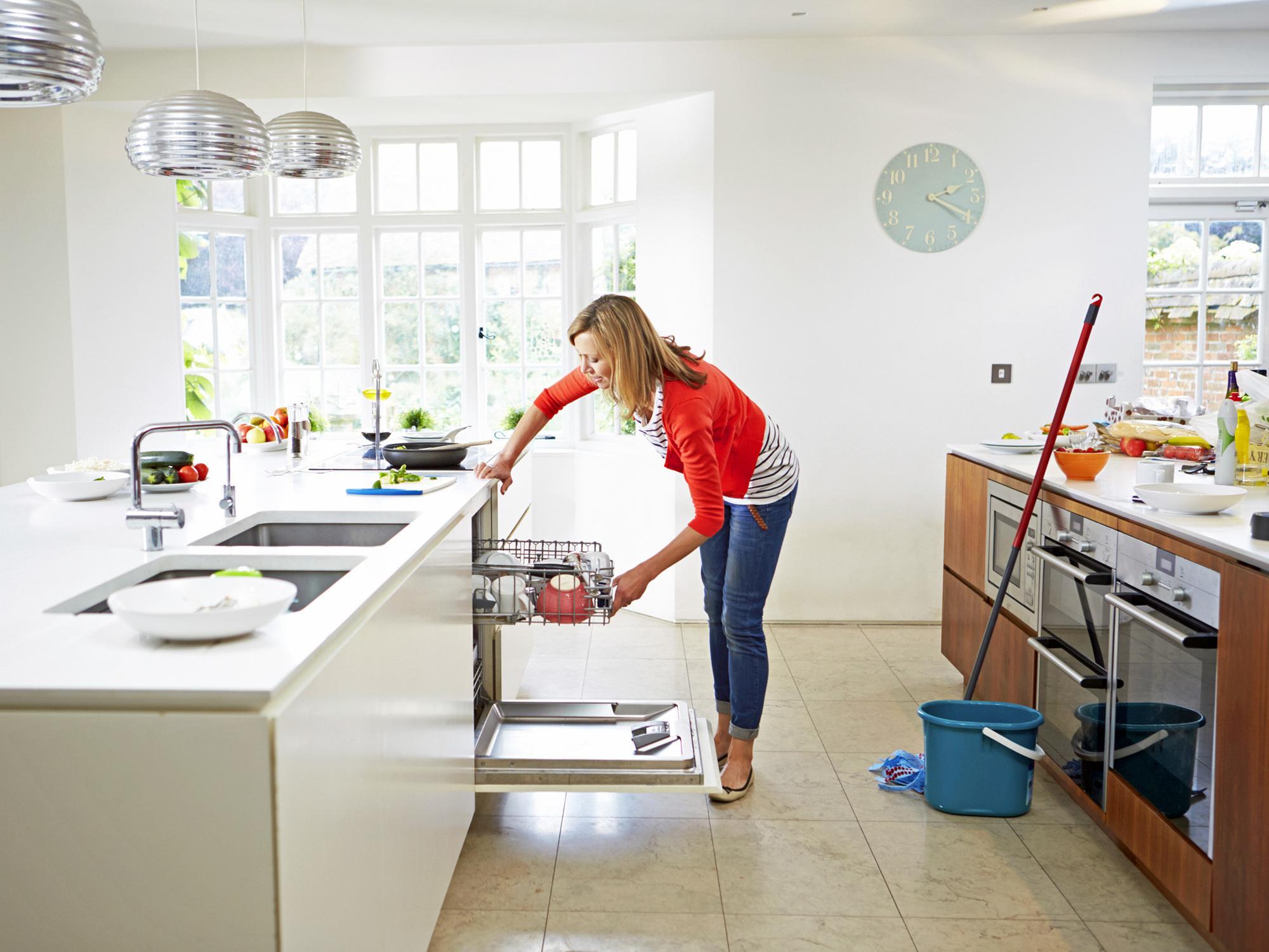 С чего начать полноценную уборку в доме