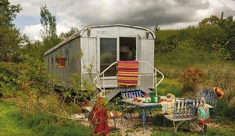 Как переделать вагончик в дачный домик: реальный пример на 20 квадратных метрах — INMYROOM
