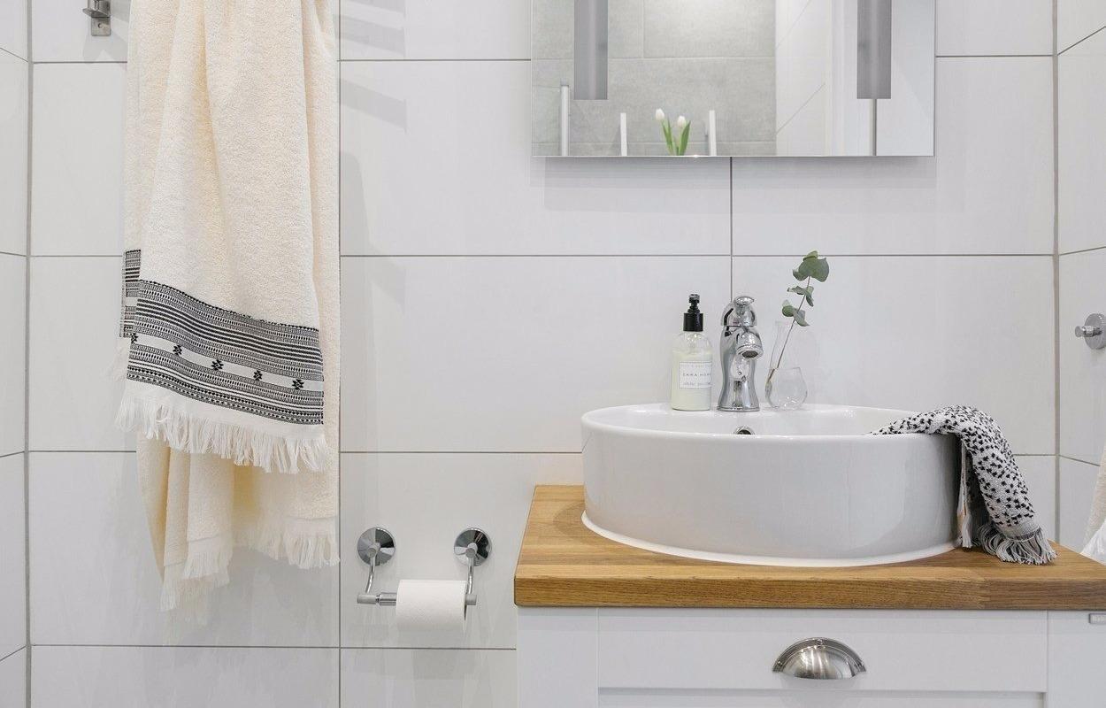 Раковины для ванной комнаты со столешницей 95 фото полотна под круглые литые и акриловые чаши как сделать своими руками стеклянные и деревянные
