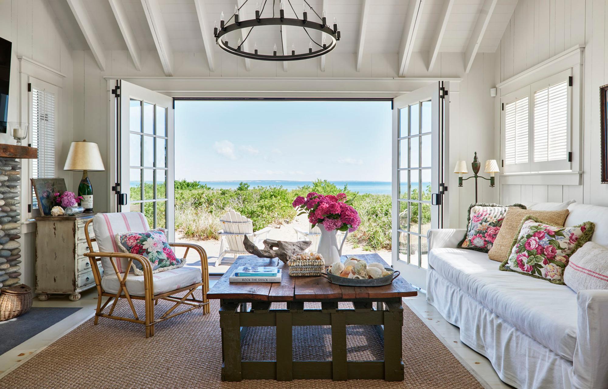 Уютный летний домик с винтажным интерьером