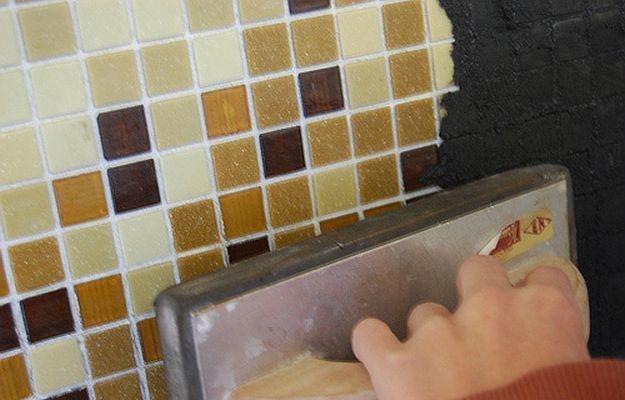 Укладка мозаики на стену - Строим баню или сауну