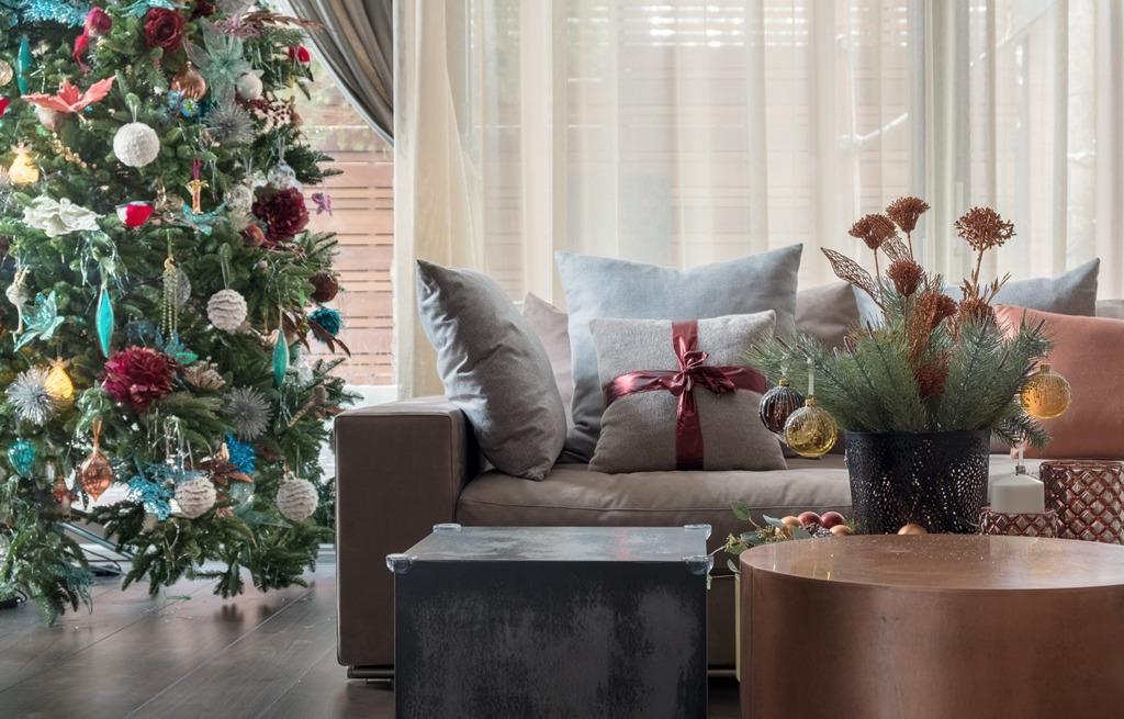 Уже пора: 6 идей, как украсить дом к Новому году