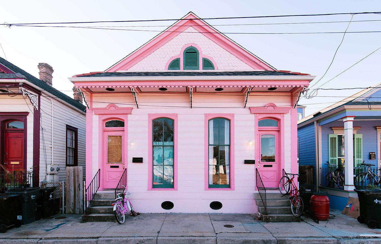 Жизнь в розовом цвете: яркий домик блогеров в США