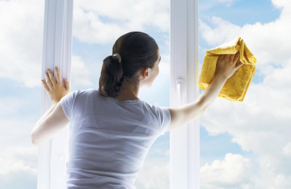 Правильная технология мытья окон в квартире доме